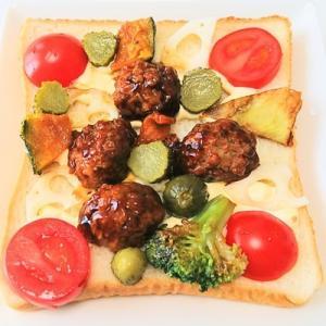 今日の朝ごはんは、肉団子の甘酢がけと野菜のマヨネーズトースト♪