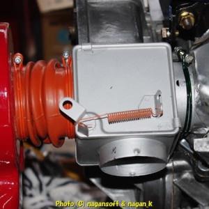 R-2君、エンジンルーム内のヒーター切り替えバルブ取付