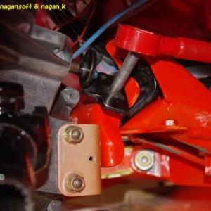 R-2君、ミッション側シフトリンク組付け、エンジン側クラッチワイヤー組付け