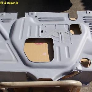 R-2君、昨日のエンジンアンダーカバー塗装下地調整8日目作業後の写真
