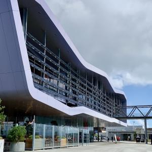 Lorient La Baseでまずはランチ