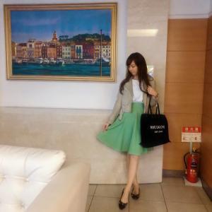 お洋服だけでも春を感じたい!アプワイザーリッシェの春グリーンなスカートコーデ