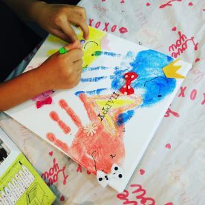 名古屋 チアリングフェスタでの 赤ちゃんと世界に一つの宝物づくり 手形アート 時計づくり