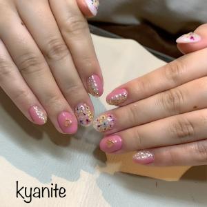 神戸駅カイヤナイト✨春大人気‼️埋め込みパステル&ビビット押し花ネイル❣️