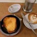 【パンとエスプレッソと】ブリュレのような鉄板フレンチトーストは15時以降の限定メニュー