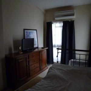 アンティーク調のアイアンベッドで実現?!購入から1年の理想の夏秋の寝室