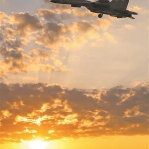 中国共産党は、政党として最新鋭の空軍機を運用