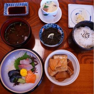 『いづ膳』店で久しぶりに食べるが、やっぱり美味しい!
