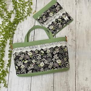ウグイスカラーに小花柄の小さめバッグINバッグ&TPポーチ