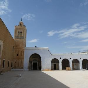 チュニジア旅行 その15 カイルアンの美しいシディ・サハブ霊廟。