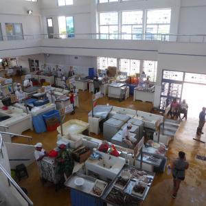 中米3か国旅行 その38 パナマシティの水産市場でランチ。