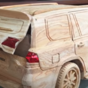 【最強動画strongest Video】木彫り-トヨタランドクルーザーV8 2020・Wood Carving - TOYOTA Land Cruiser V8 2020 (New Version) - Woodworking art
