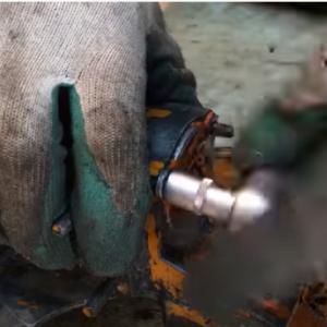 【最強動画strongest Video】古いチェーンソー修復・Repairing an old chainsaw