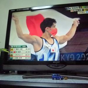 東京五輪はメダル奪取で日本中が感動と興奮で盛り上がっている反面、コロナ感染者数が・・・