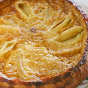 クイーンクックウェアでリンゴのフラン・揚げワンタン・鶏手羽の黒酢煮・中華蒸しそば・青梗菜の蒸し物