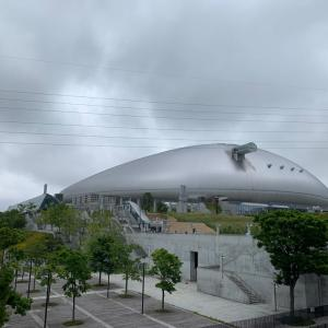 札幌ドーム、風強し