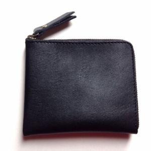 ミニマルなL字ファスナー財布を新調・小さく軽く持つ