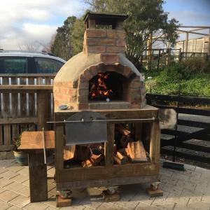 DIYピザ窯の火入れ