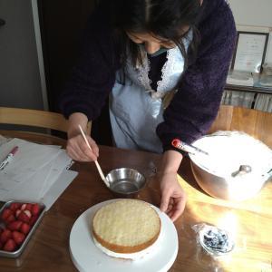 【レポ】今年最初はスポンジケーキの作り方レッスンから