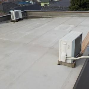 必殺雨漏り修理人の仕事/ 屋上塩ビシート防水の雨漏り~防水層の撤去