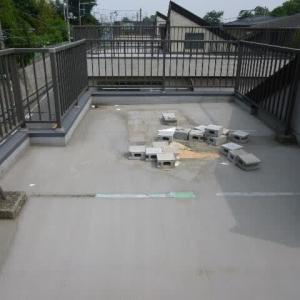 必殺雨漏り修理人の雨漏り調査~屋上防水の亀裂による雨漏り