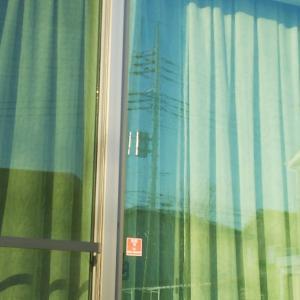 まだ暖房いらずな我が家 &  窓掃除しました