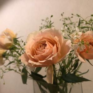 迷うのも楽しみのひとつ!自分のためにお花を買って、おうちで楽しく花時間♪