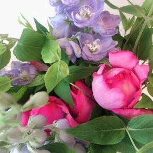 まるで香水のような香り!イヴ・ピアッチェで作るアロマを楽しむバラのブーケ【和光市大人の習い事】