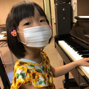 西区民センター「親子でぴあのを弾いてみませんか」開講しました。