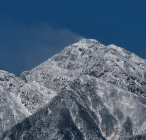 里は雨・・・山は雪でした。