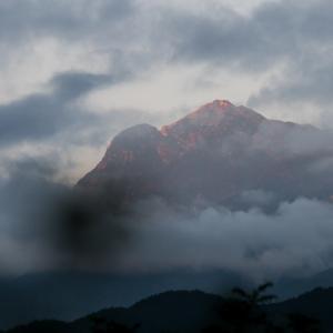 夜明けの甲斐駒ヶ岳。