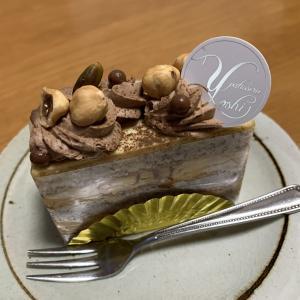日曜日のおやつはパティスリーYOSHIのケーキ。