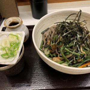 山菜ざるそばをさくらさんで食べてきました。