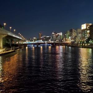 夜の墨田川