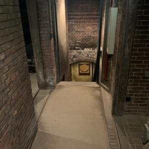 牛久シャトー 6 * 地下貯蔵庫とメトル・ドゥ・シェ