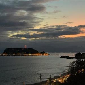 夕空と江ノ島