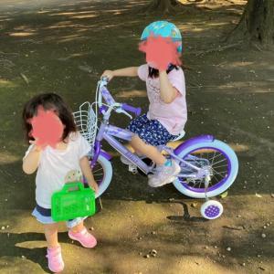 長女、自転車に乗る