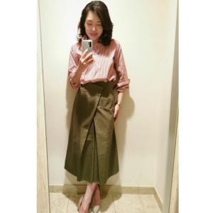 アラフィフコーデ ストライプシャツをパンツとスカートで♪