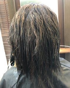 多毛・クセで膨らむ髪質を縮毛矯正し、まとまるボブに☆