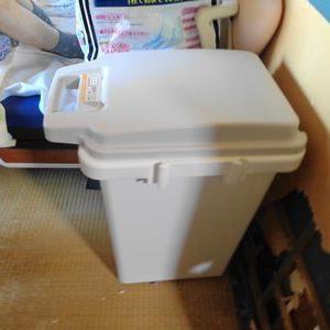 かーちゃんのおむつ入れにパッキン仕様のゴミ箱を買う
