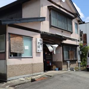 山形県 新庄市万場町 やぶそばで茶そばランチ。