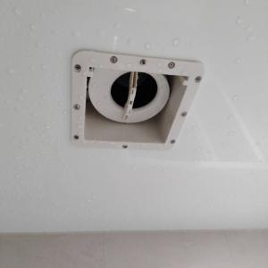悲報( ノД`)  浴室の換気扇が・・・。