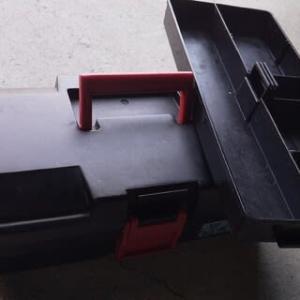 携帯用工具箱  と  中身を洗う