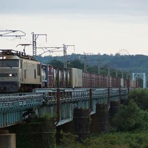 橋梁を越える貨物EF510-510