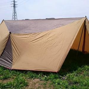 キャンプ用品を整理する為、河原でバーベキュー