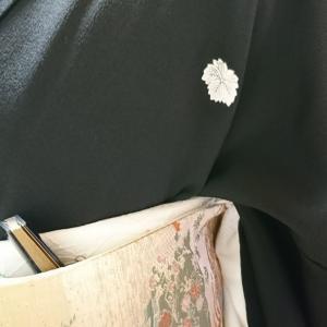 留袖の着付け  末広の挿し方
