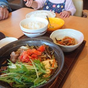 ガストすき焼きランチ★大人の箸で食べる2歳1ヶ月過ぎの娘★