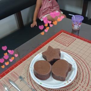 100均の厚焼きホットケーキ型★ぶ厚いホットケーキが可愛いぃ★2歳11ヶ月頃の娘★