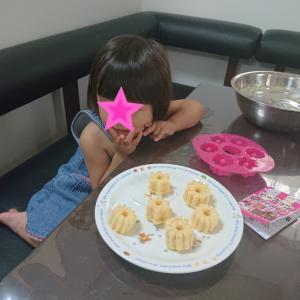 100均のドーナツ型ホットケーキが可愛い★2歳11ヶ月の娘★