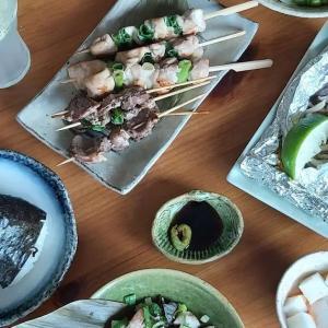 Gave Izakaya workshop today. Participants enjoyed very much. Lemon sour, Izakaya tofu salad, Haring tataki, yakitori, foil grilled mushrooms and so. #tokyodollnlcookmeat #tokyodollnlcookfishmain #Japanesefood #japanesecuisine #washoku #izakaya #haring #yakitori #tofusalad #lemonsour #onigiri #tartar #japanseten #lekkerkoken #lekkereten #おうち居酒屋 #レモンサワー #oishi #itadakimasu #edamame